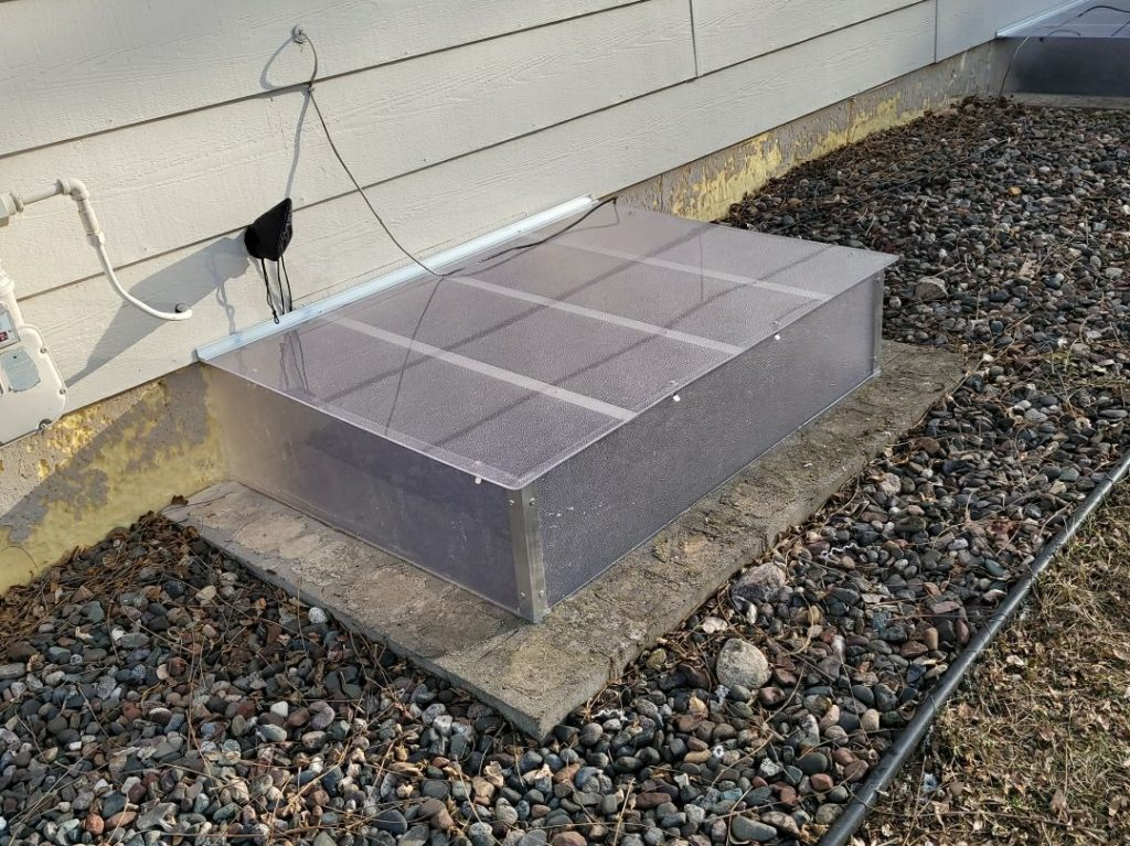 window well cover with box riser